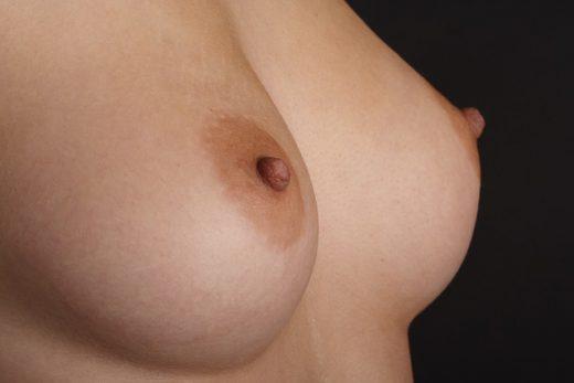 Женская грудь как источник удовольствия