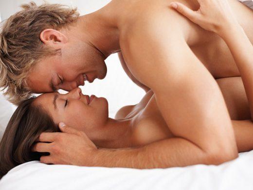 13 мыслей мужчин во время секса в миссионерской позе